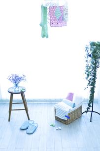 窓辺の洗濯物の写真素材 [FYI04735160]