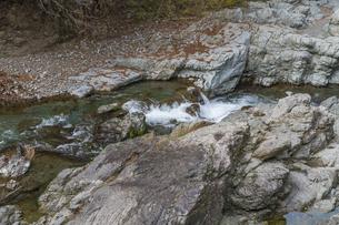 秋の秋川渓谷の写真素材 [FYI04735249]
