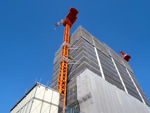高層マンションの建設現場の写真素材 [FYI04736063]