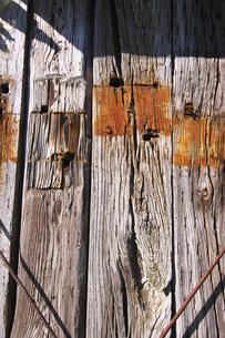 旧奥行臼駅の石炭倉庫の枕木の壁の写真素材 [FYI04737103]