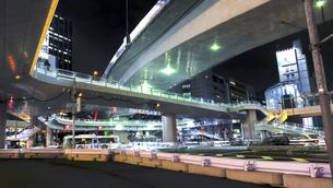渋谷 東口 ペデストリアンデッキの写真素材 [FYI04737498]
