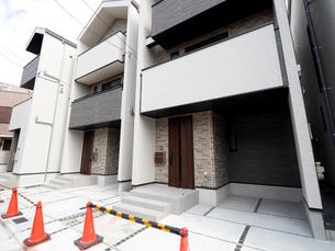 完成間近の建売り住宅の写真素材 [FYI04737702]