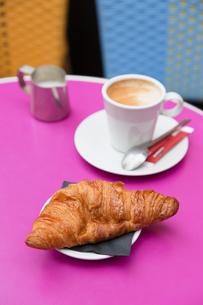 フランスパリのクロワッサンの写真素材 [FYI04738002]