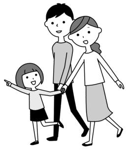 散歩する仲良しファミリー 二世代家族のイラスト素材 [FYI04738323]