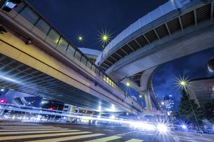 【東京都】西新宿ジャンクション【2020】の写真素材 [FYI04739128]