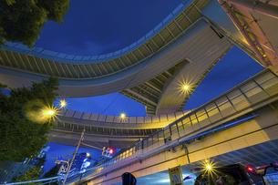 【東京都】西新宿ジャンクション【2020】の写真素材 [FYI04739131]