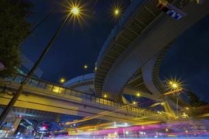 【東京都】西新宿ジャンクション【2020】の写真素材 [FYI04739133]