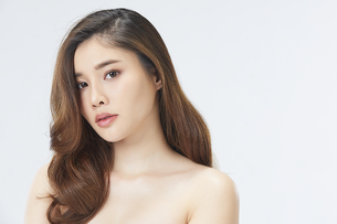 ビューティーモデルの美人女性の写真素材 [FYI04739623]