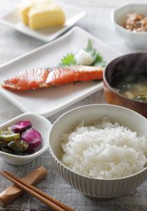 一汁三菜朝ごはんの写真素材 [FYI04739789]