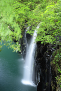 高千穂峡の真名井の滝の写真素材 [FYI04742070]