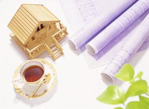 設計図と住宅 の写真素材 [FYI04742134]