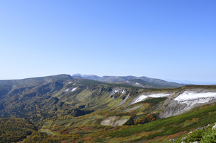 緑岳から見た秋の高根ケ原(北海道・大雪山)の写真素材 [FYI04742347]