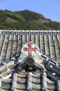 旧出津救助院の屋根の十字架の写真素材 [FYI04742608]