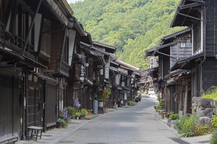 中山道 奈良井宿 の写真素材 [FYI04742770]