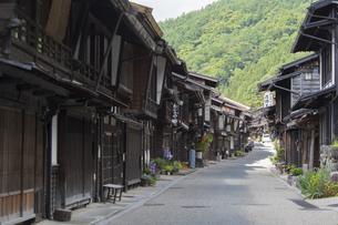 中山道 奈良井宿 の写真素材 [FYI04742771]