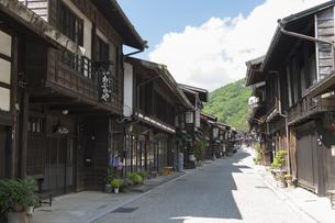中山道 奈良井宿 の写真素材 [FYI04742772]