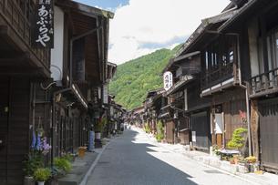 中山道 奈良井宿 の写真素材 [FYI04742774]