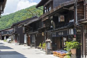 中山道 奈良井宿 の写真素材 [FYI04742776]