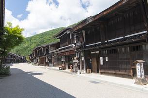中山道 奈良井宿 の写真素材 [FYI04742788]