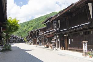 中山道 奈良井宿 の写真素材 [FYI04742792]
