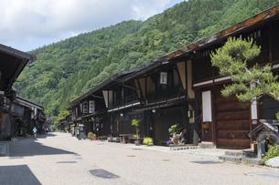 中山道 奈良井宿 の写真素材 [FYI04742795]