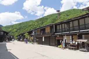 中山道 奈良井宿 の写真素材 [FYI04742810]