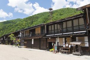 中山道 奈良井宿 の写真素材 [FYI04742834]