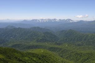 ニペソツ山から見た十勝岳方面(北海道・ニペソツ山)の写真素材 [FYI04744081]