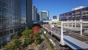 都心の風景 首都高速道路(浜崎橋JCTから汐留JCT間)の写真素材 [FYI04744198]
