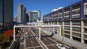 都心の風景 首都高速道路(浜崎橋JCTから汐留JCT間)の写真素材 [FYI04744199]