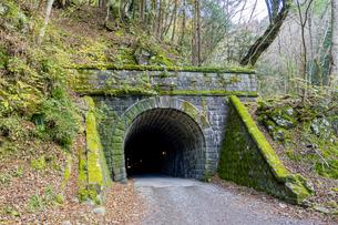 国道414号の旧道に残る天城山隧道(旧天城トンネル)の写真素材 [FYI04744252]