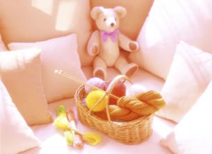 毛糸とクッションの写真素材 [FYI04744309]
