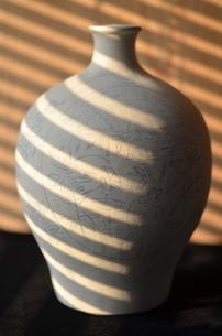陶器の花瓶の写真素材 [FYI04744517]