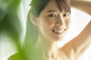 女性のスキンケアイメージの写真素材 [FYI04744732]
