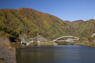 秋のみずがき湖の写真素材 [FYI04744862]