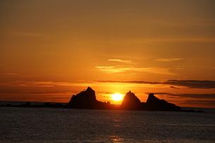 三ツ石からの日の出の写真素材 [FYI04745208]