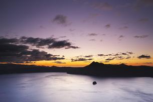 摩周湖の朝の写真素材 [FYI04745335]