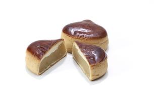 栗の形をしたお饅頭の写真素材 [FYI04745547]