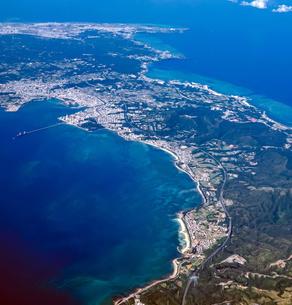沖縄本島中部の空撮の写真素材 [FYI04745991]