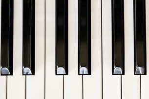 ピアノの鍵盤の写真素材 [FYI04746221]