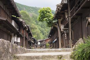 中山道 妻籠宿の写真素材 [FYI04746259]