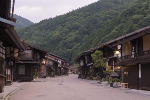 中山道 奈良井宿 夕景の写真素材 [FYI04746263]