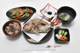 お食い初めの料理の写真素材 [FYI04746665]
