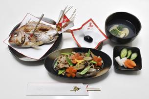 お食い初めの料理の写真素材 [FYI04746666]