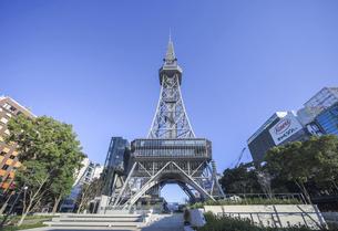 名古屋テレビ塔を見上げるの写真素材 [FYI04746771]