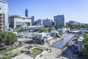 久屋大通公園とオアシス21を見下ろす風景の写真素材 [FYI04746788]