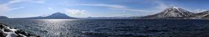 支笏湖と支笏三山の写真素材 [FYI04747398]