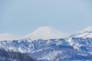 支笏湖畔から望む道央の山々の写真素材 [FYI04747409]