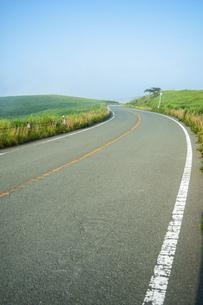 道路の写真素材 [FYI04747612]