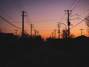 町のシルエットの写真素材 [FYI04747651]